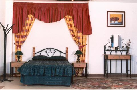 Roma Queen Bed Room