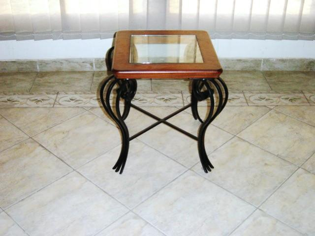 Forger side table