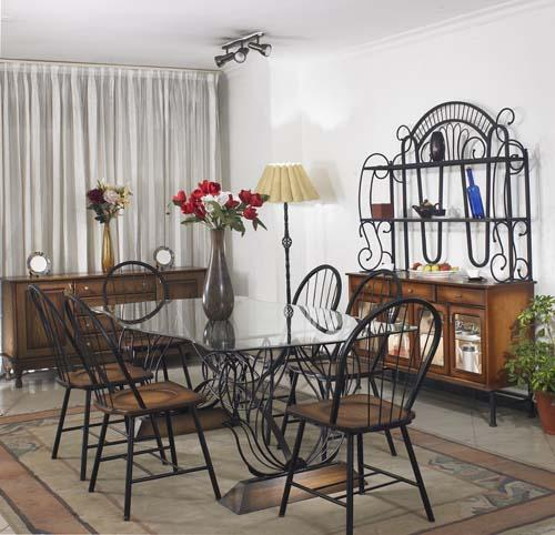 Pansy Dining Table